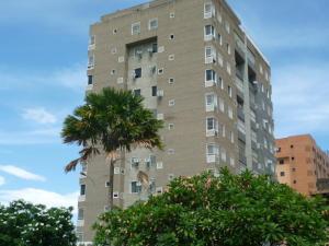 Apartamento En Venta En Maracay, Base Aragua, Venezuela, VE RAH: 16-14797