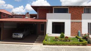 Townhouse En Venta En Guatire, El Castillejo, Venezuela, VE RAH: 16-14850