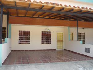 Townhouse En Venta En Municipio San Diego, Sabana Del Medio, Venezuela, VE RAH: 16-14841