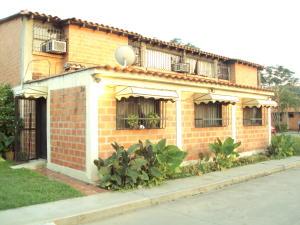 Apartamento En Venta En Turmero, La Laguna I, Venezuela, VE RAH: 16-14831