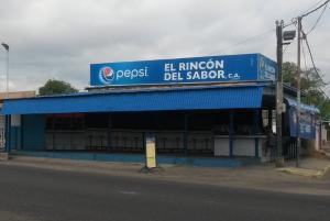 Local Comercial En Venta En Maracaibo, Pomona, Venezuela, VE RAH: 16-14853