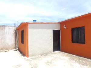Casa En Venta En Municipio Los Guayos, Buenaventura, Venezuela, VE RAH: 16-14878