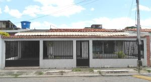 Casa En Venta En Palo Negro, Conjunto Residencial Palo Negro, Venezuela, VE RAH: 16-14880