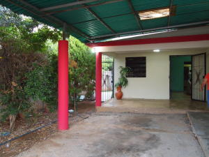 Casa En Venta En Municipio San Francisco, Manzanillo, Venezuela, VE RAH: 16-14883