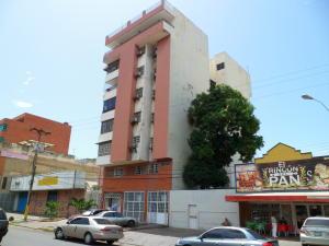 Apartamento En Venta En Puerto La Cruz, La Tinia, Venezuela, VE RAH: 16-14897