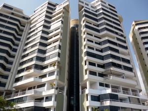 Apartamento En Venta En Parroquia Caraballeda, La Llanada, Venezuela, VE RAH: 16-14933