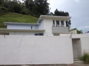 Casa En Venta En Caracas, La Lagunita Country Club, Venezuela, VE RAH: 16-2373