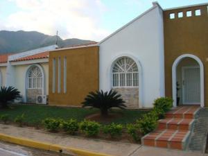 Casa En Venta En Municipio San Diego, La Cumaca, Venezuela, VE RAH: 16-14967