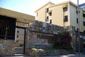 Apartamento En Venta En Maracay, Base Aragua, Venezuela, VE RAH: 16-15009