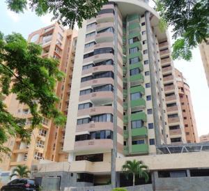 Apartamento En Venta En Valencia, La Trigaleña, Venezuela, VE RAH: 16-14976