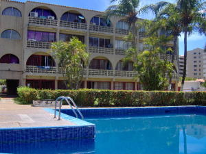 Apartamento En Venta En Margarita, Costa Azul, Venezuela, VE RAH: 16-14986