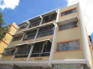 Apartamento En Venta En Caracas, Las Acacias, Venezuela, VE RAH: 16-14997