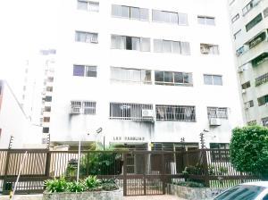 Apartamento En Venta En Valencia, La Trigaleña, Venezuela, VE RAH: 16-15068