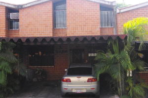 Townhouse En Ventaen Guarenas, Nueva Casarapa, Venezuela, VE RAH: 16-15125