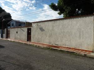 Casa En Ventaen Turmero, Los Nisperos, Venezuela, VE RAH: 16-15128