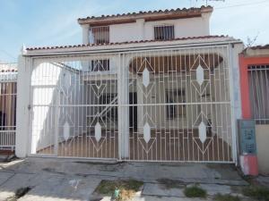 Casa En Venta En Municipio San Diego, La Esmeralda, Venezuela, VE RAH: 16-15138