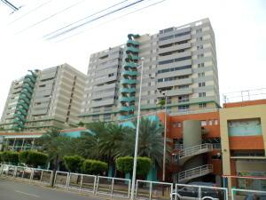 Apartamento En Venta En Lecheria, Complejo Turistico El Morro, Venezuela, VE RAH: 16-15152