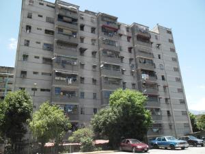 Apartamento En Venta En Guarenas, Menca De Leoni, Venezuela, VE RAH: 16-15162