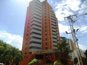 Apartamento En Venta En Valencia, Las Chimeneas, Venezuela, VE RAH: 16-15166