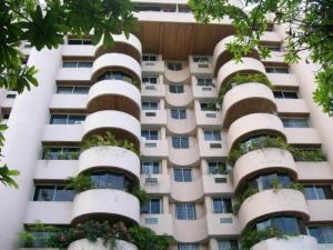 Apartamento En Venta En Valencia, Prebo I, Venezuela, VE RAH: 16-15182