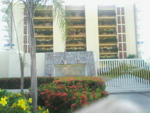 Apartamento En Venta En Higuerote, Agua Sal, Venezuela, VE RAH: 16-15417