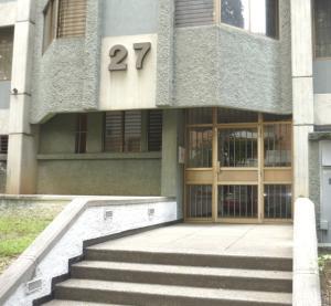 Apartamento En Venta En Caracas, El Rosal, Venezuela, VE RAH: 16-15210
