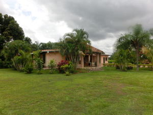Casa En Venta En Valencia, Safari Country Club, Venezuela, VE RAH: 16-15233