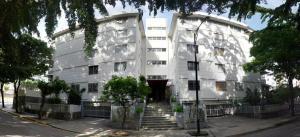Apartamento En Venta En Caracas, El Marques, Venezuela, VE RAH: 16-14857