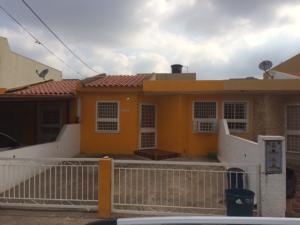 Townhouse En Venta En Maracaibo, Santa Fe, Venezuela, VE RAH: 16-15273