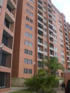 Apartamento En Venta En Caracas, Colinas De La Tahona, Venezuela, VE RAH: 16-15219