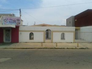 Casa En Venta En Municipio San Francisco, La Coromoto, Venezuela, VE RAH: 16-15276