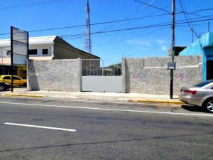 Local Comercial En Venta En Punto Fijo, Centro, Venezuela, VE RAH: 16-15285