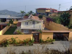 Casa En Venta En Caracas, Hoyo De La Puerta, Venezuela, VE RAH: 16-15294