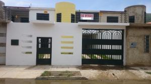 Casa En Venta En La Victoria, El Recreo, Venezuela, VE RAH: 16-15305