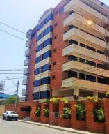 Apartamento En Venta En Lecheria, Casco Central, Venezuela, VE RAH: 16-15323