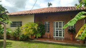 Casa En Venta En Calabozo, Centro Administrativo, Venezuela, VE RAH: 16-15328