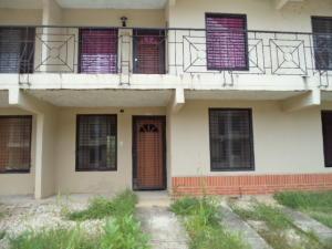 Casa En Venta En Valencia, Flor Amarillo, Venezuela, VE RAH: 16-15342