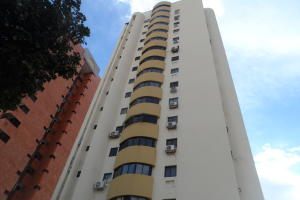 Apartamento En Venta En Valencia, La Trigaleña, Venezuela, VE RAH: 16-15359