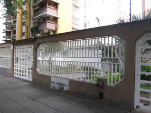 Apartamento En Venta En Caracas, El Paraiso, Venezuela, VE RAH: 16-15387