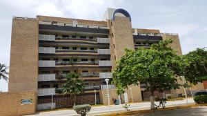 Apartamento En Venta En Boca De Aroa, Boca De Aroa, Venezuela, VE RAH: 16-750
