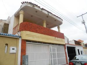 Casa En Ventaen Municipio San Diego, La Esmeralda, Venezuela, VE RAH: 16-15391