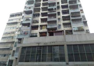 Apartamento En Venta En Caracas, Parroquia La Candelaria, Venezuela, VE RAH: 16-15394
