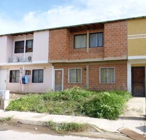Casa En Venta En Palo Negro, Los Frutales, Venezuela, VE RAH: 16-15398