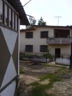 Casa En Venta En Santa Lucia, Santa Lucia, Venezuela, VE RAH: 16-15449