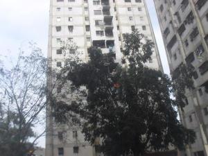 Apartamento En Venta En Caracas, Caricuao, Venezuela, VE RAH: 16-15423