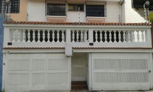 Casa En Venta En Caracas, La Trinidad, Venezuela, VE RAH: 16-14598