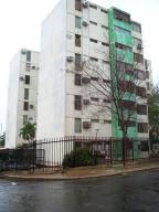 Apartamento En Venta En Maracaibo, Lago Azul, Venezuela, VE RAH: 16-15460