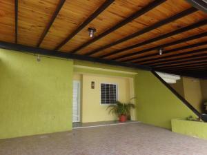 Townhouse En Venta En Municipio San Diego, El Polvero, Venezuela, VE RAH: 16-15469