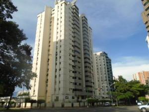 Apartamento En Venta En Valencia, Valles De Camoruco, Venezuela, VE RAH: 16-15639