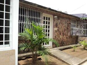 Casa En Venta En Cagua, Prados De La Encrucijada, Venezuela, VE RAH: 16-15486